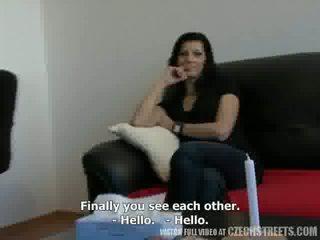 צ'כית streets - אדם traded שלו אישה katka ל כסף וידאו