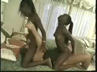 Africa anak kembar fucked dengan 1 men