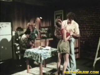 Dapur seks empat orang kembali ke belakang xxx film