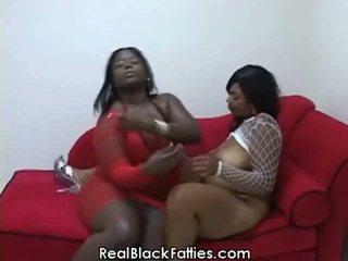 Çişik lesbians take a çuň drilling