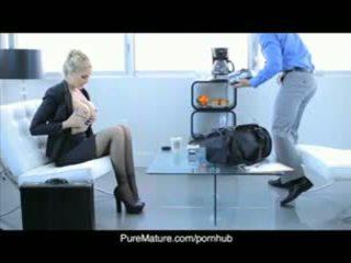 Puremature julia anns sexual negócio reunião