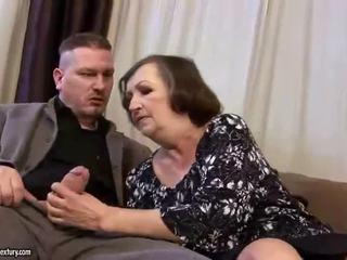醜 脂肪 奶奶 gets 性交 硬