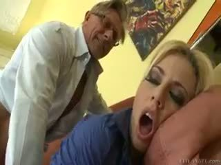 Gyzykly blondinka jessie volt rides old guy on diwan and eats gutarmak