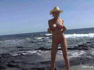 hottest show quality, nice striptease, see beach