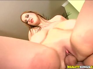 Bouncing jana terry nova works her constricted gutarmak hole up and down strong sik