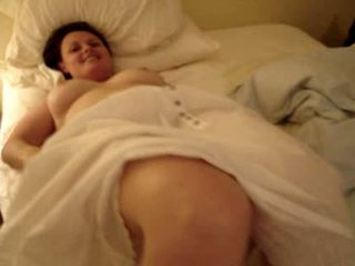 Voluptuous wife turning in for the night Video