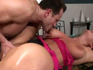 Breasty christina jolie acquires su soaking mojada twat rammed con stiff duro polla