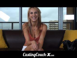 Talentsuche couch-x midwestern blond likes vorführung ab