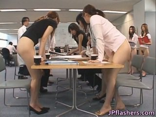 Asiatisch secretaries porno images