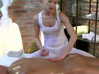 हॉर्नी masseuse आमेचर बेब strokes कॉक