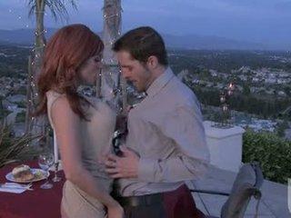 लाल headed गर्लफ्रेंड jadra holly gives उसकी boyfriend an विलक्षण ओरल stimulation
