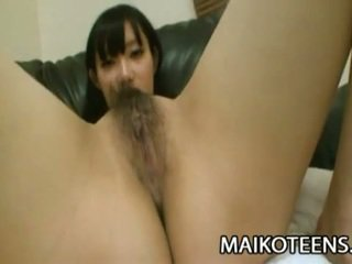 Hairy japanese babe toyed