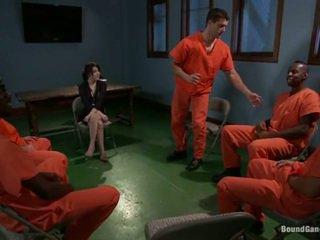 Tegan tate has band עשוי אהבה על ידי סוטה prisoners