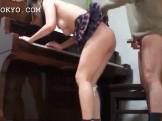 एशियन स्कूलगर्ल पुसी banged कठिन ओवर the पियानो