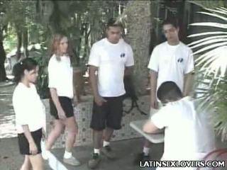 Forró latin csaj tizenéves hardcore csattanás