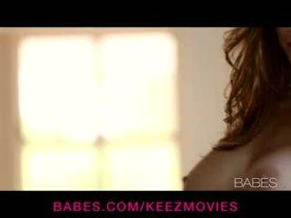 Emily addison - দুধাল মহিলা ইউরোপীয় মেয়ে তরুণী rubs তার self থেকে an intense solo যৌন উত্তেজনা