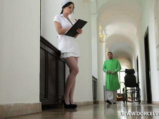 Enfermera abbie