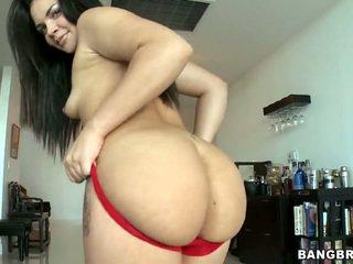 Big bokongé brunette violet vasquez removes her red kathok