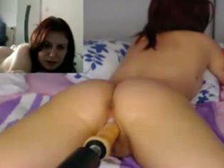 Fille baisée par gode machine, pov webcam