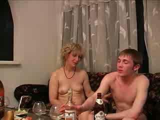 酔った, ママと少年, ハードコア
