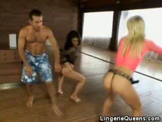 Aerobics และ lingeries