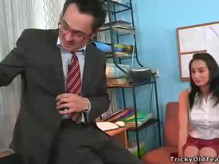 Blowjob vì trưởng thành giáo viên