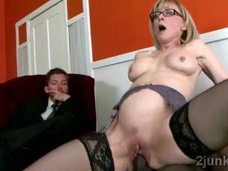 Osupljivo zreli tajnica pleases ji sons črno šef video