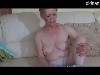 Solo velké krásné ženy babičky masturbate