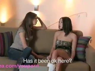 Lesbea এইচ ডি roommate has virgin সমকামী যৌন সঙ্গে অভিজ্ঞ bff