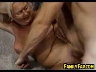 Geil rijpere stap moeder