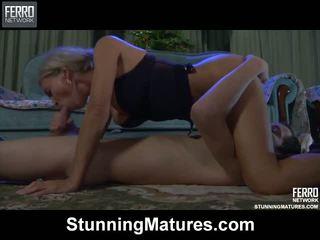 Ninette robin fierbinte mama pe video