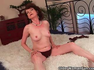 Érett anya -val szőrös crotch és armpits szar mély