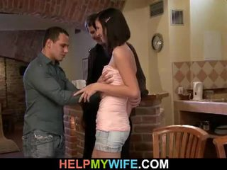 年輕 褐髮女郎 妻子 loves 作弊 上 她的 男人