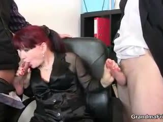 Gorące biznes pani takes two dicks