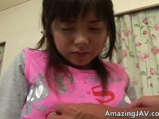 ハードコアセックス, 毛深い陰部, ザーメン, 小さな女の子が巨大なペニスを取得する