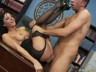 Slutty hora haley wilde gets henne fittor stabbed djupt med en thick shaft bakom
