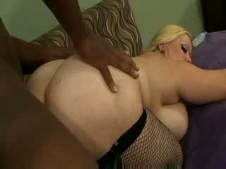Heavy weight slut Bunny De La Cruz
