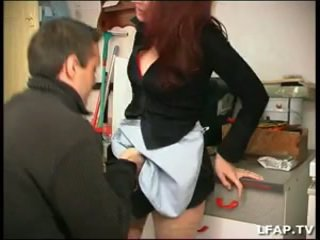 La femme de menage defoncee par le proprio et papy