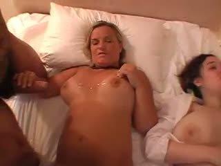 Jizzy Tits