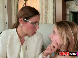 ティーン ava hardy shares コック とともに ステップ ママ