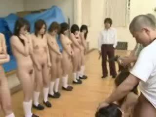 日本语 schoolgirls 下 枪 threat 视频