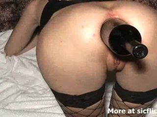 Äärimmäisissä anaali nyrkkinainti ja pullo perseestä slut