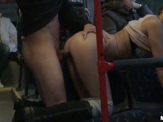 Amatör slampa gets banged hård i den tåg