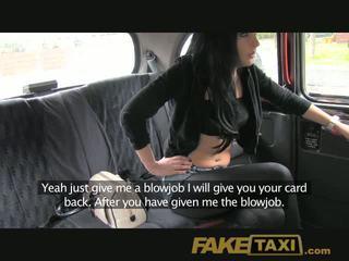 Faketaxi tiener chokes op mijn spunk