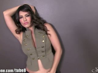 Sunnyleone sunny leone v ji armáda outfit! nový solo!