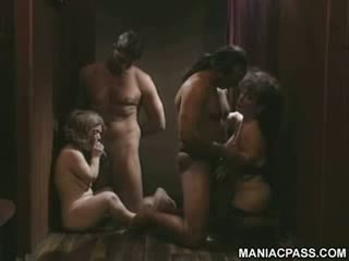कमबख्त, गांठदार, छेद, गर्लफ्रेंड