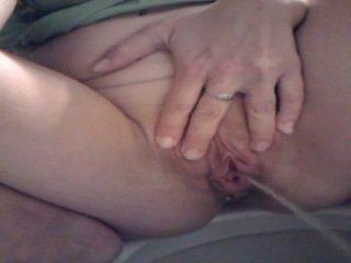 Piss: grande labia grande pee 1