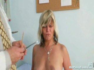 Nada visits dia gyno dokter untuk dewasa bulu pie alat yang dimasukkan gyno ujian