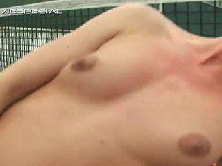 Blondi teinit acquires massiivinen dildoja sisään perse