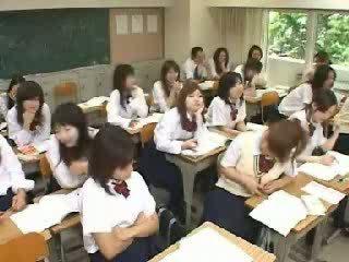 Japonesa sala de aula a masturbar e a foder em escola t vídeo